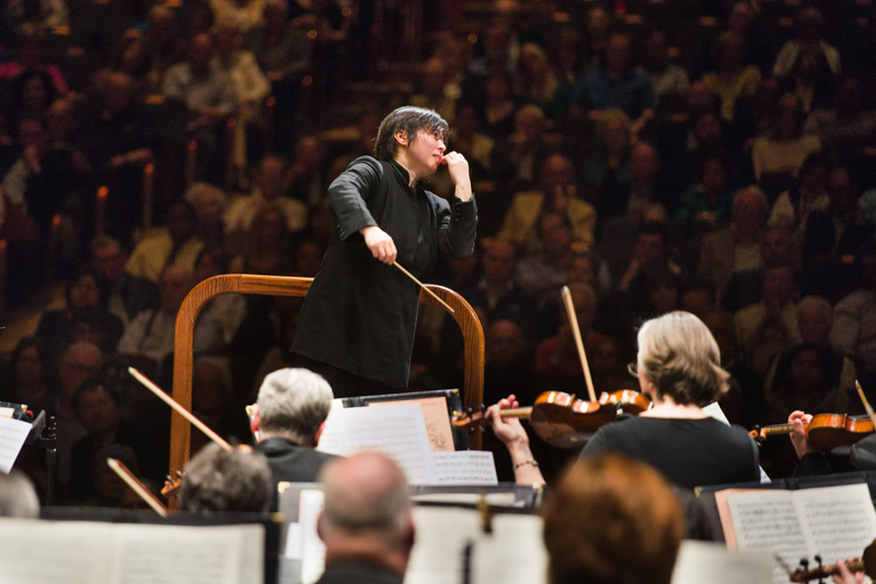 xian-zhang-with-the-njso-may-2015-01-credit-fred-stucker
